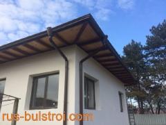 Монтаж на безшевни улуци на къща в Борово